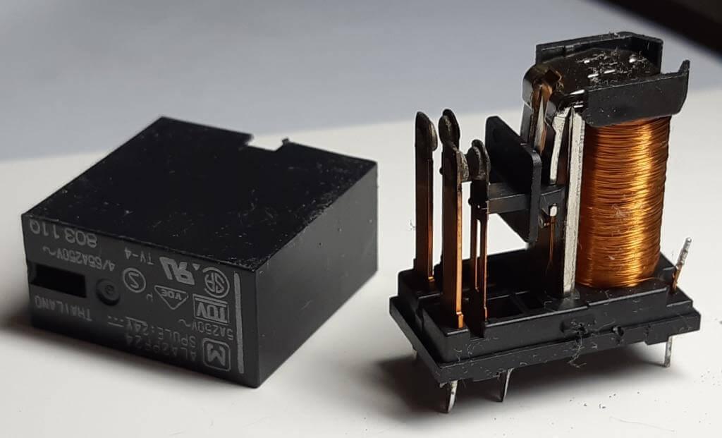 Обгорание контактов реле вентилятора (причина Е00)